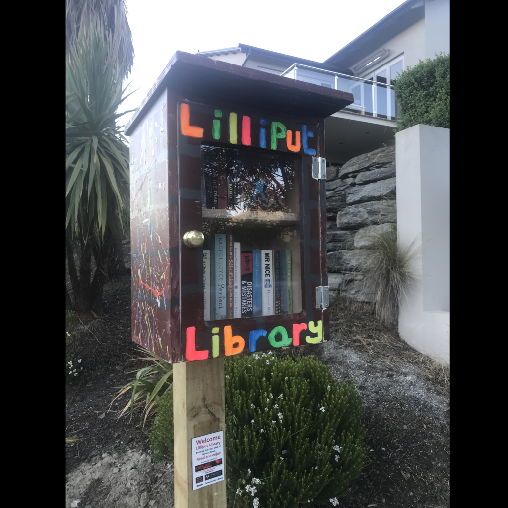 Cotter Avenue, Arrowtown Lilliput Library