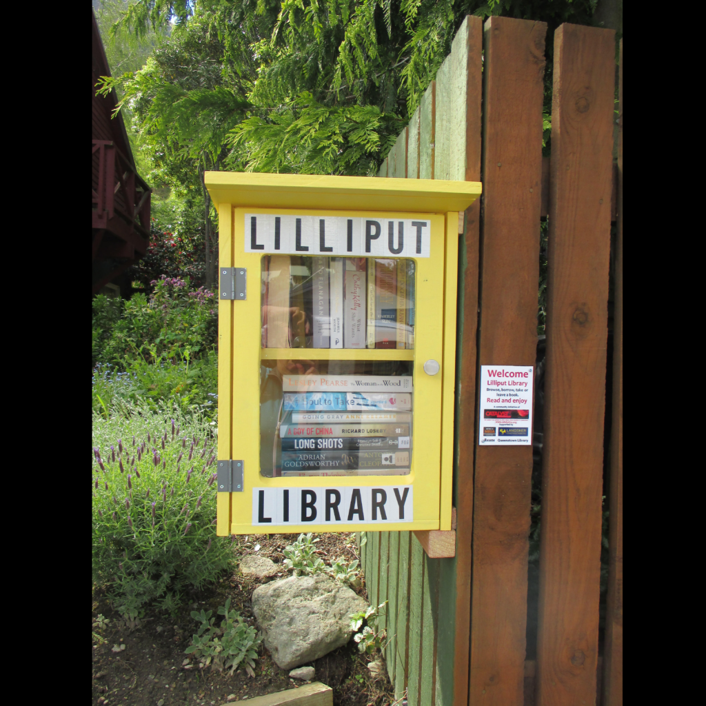 Watts Road, Fernhill Lilliput Library